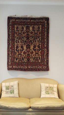 designing your room by hanging a rug